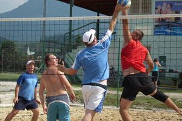 Na Ulično - rodinnom turnaji sa bojovalo o každú loptu.