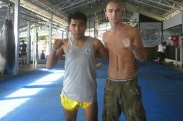 Vladimír Sklouza (vpravo)v Thajsku.