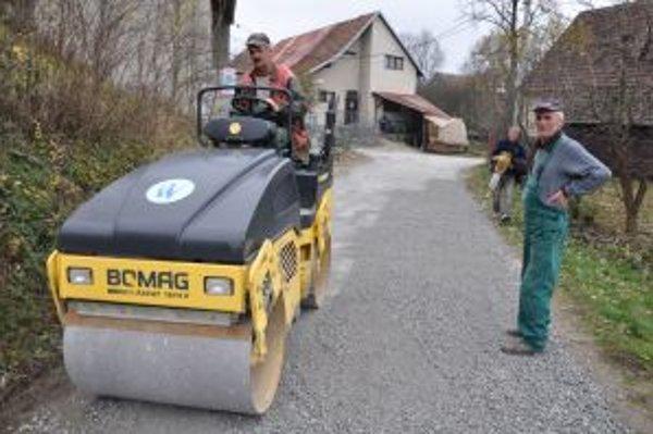 Príprava podkladu pod asfaltový povrch.