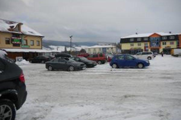 Námestovo je jediným oravským mestom, kde sa za mestské parkoviská platí.