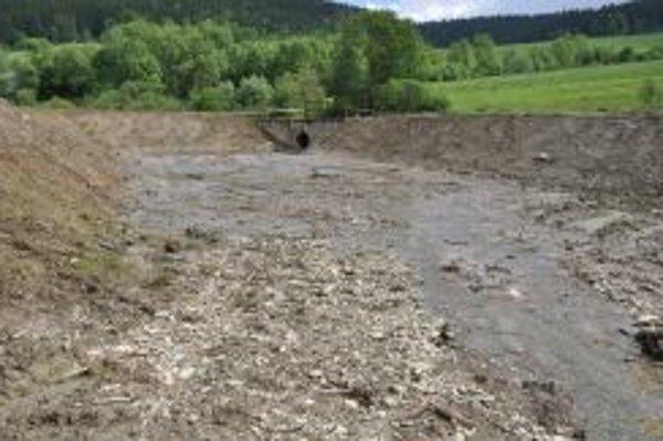 Suchý polder v prípade povodne zachytí milióny litrov vody.