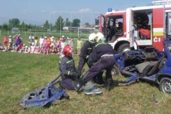 Lieseckí školáci v akcii.