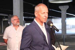 Primátor Ján Nosko ohlásil kandidatúru v priestoroch autobusovej stanice.
