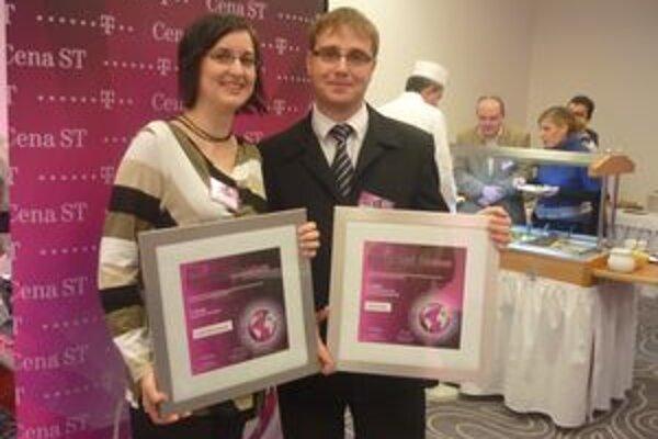 Lucia Kortmanová a Peter Pallo. Dvaja učitelia z jednej školy získali prestížne ocenenie.