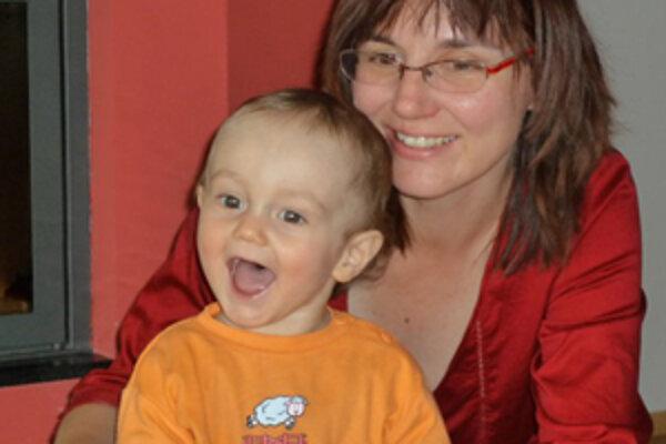 Dnes je antropologička Zuzana Búriková doma, na materskej dovolenke s dvomi synmi.