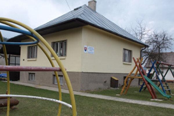 Budova materskej školy má viac ako polstoročie.