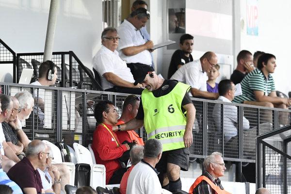 Ricardo Moniz skončil počas zápasu s Ružomberkom na tribúne.