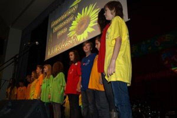 Spolužiaci urobili pre Lukáša benefičný koncert.