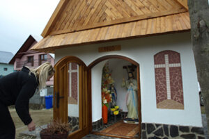 Kaplnku opravili manželia Barutíkovci.