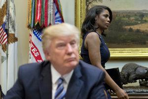 Trump a jeho Omarosa.