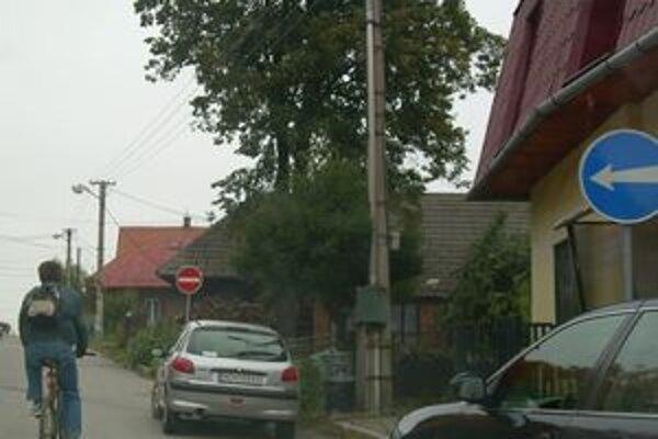 Nové dopravné značenie na ulici Mieru v Námestove.