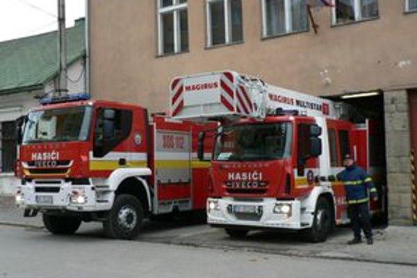 Nové mašiny hasičom výrazne uľahčujú prácu.