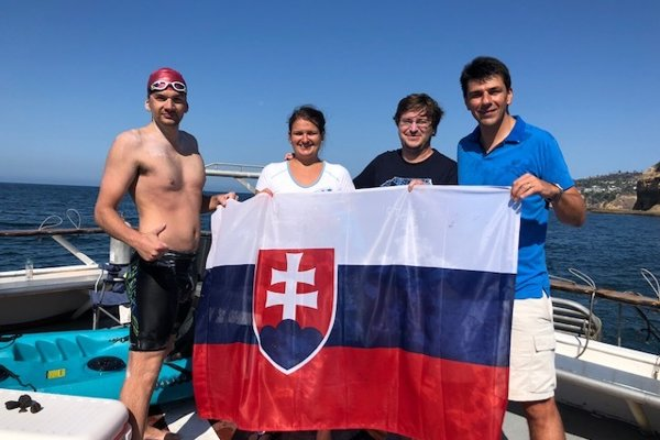 Spoločný tím: František (vľavo), brat Jaro smanželkou, priateľ akolega Juraj Sokol.
