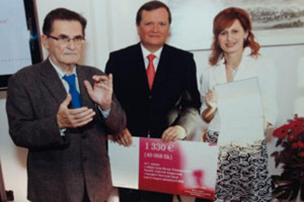Gabriela Kapjorová si prevzala cenu za najlepšiu prácu vo svojej kategórii.