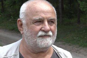 Karol Chreno stále nedokáže pochopiť, prečo niekto bez dôvodne zastrelil jeho psa Hodora.