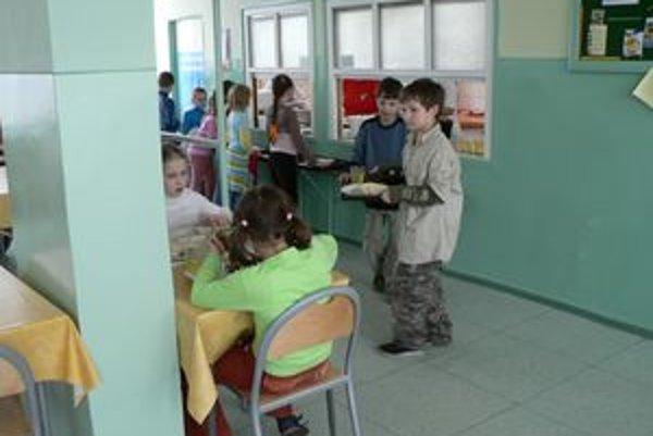 Ani jedna jedáleň v Dolnom Kubíne zatiaľ nevarí diétne pokrmy. Rodičia chorých detí to chcú zmeniť.