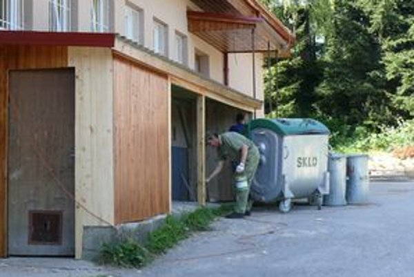 Hruštínčania plánujú vyčistiť kataster obce. Nezamestnaným ponúknu nové pracovné miesta, českým deťom zaujímavé letné tábory.