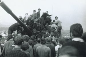 Tanky prišli aj do Brezna.
