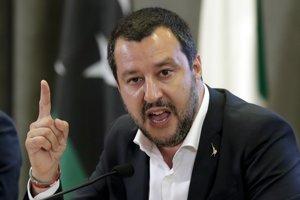 Vicepremiér, minister vnútra a šéf Ligy severu Matteo Salvini v pondelok vyhlásil, že budúcoročný schodok by mohol dosiahnuť až 2,9 % HDP.