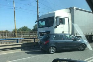Nehoda na moste