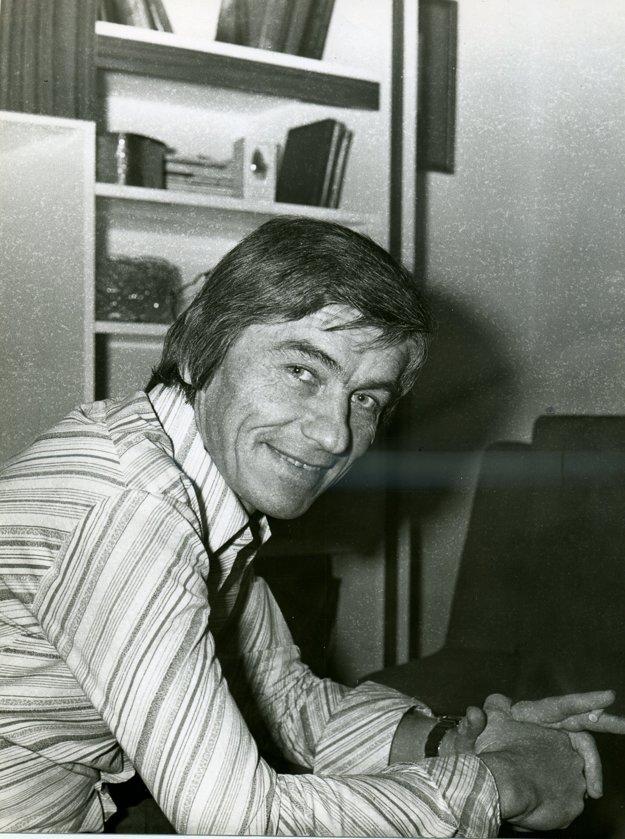 Ján Midžiak, hlásateľ Československého rozhlasu. V osudnú noc z 20.  na 21. augusta mal službu.