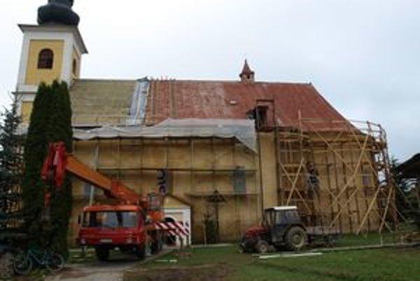 Rímskokatolícky Kostol sv. Imricha bude mať novú strechu aj fasádu.