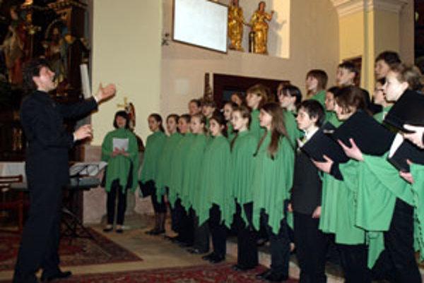 Mládežnícky zbor Cantica z Kaunasu (Litva) skončil v striebornom pásme.