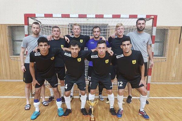 Makroteam sa na turnaji v Hodoníne prebojoval až do finále.