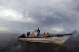 Rybári vo vodách, kde pôsobia piráti.