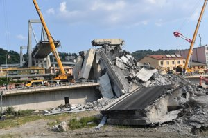 Zodpovednosť za pád mosta v Janove je predmetom vyšetrovania.