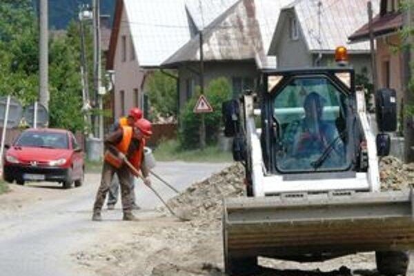 Žiadosť o druhú etapu budovania kanalizácie je už podaná. Čas ukáže, či sa bude aj realizovať.
