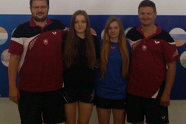 Zástupcovia Topoľčian na MEJ v stolnom tenise – zľava: Oto Mackovič, Karolína Furková, Miriam Kršiaková a Milan Grman.