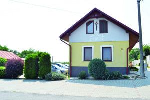 Domček je rodným domom jezuitu Michala Patakyho (Potockého).
