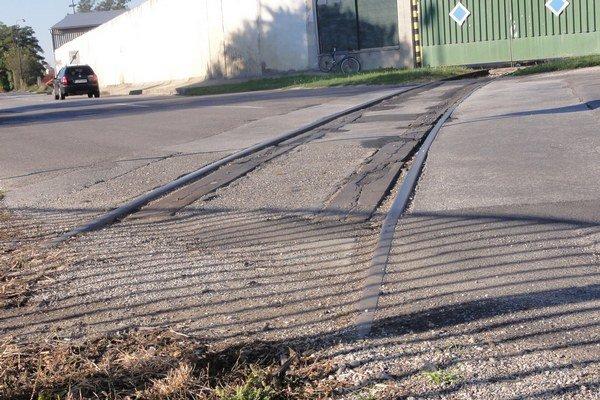 Dopravná koľaj mala kedysi 1800 metrov. Dnes znej zostalo iba 300 metrov.