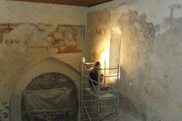 Reštaurovanie maľby sv. Krištofa.