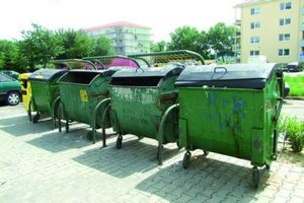 Mesto zakúpilo 22 kusov plastových nádob na zefektívnenie separovaného zberu.