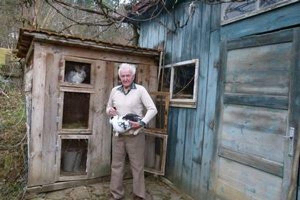 Pán Dobiáš  má aj na dôchodku veľa záľub.