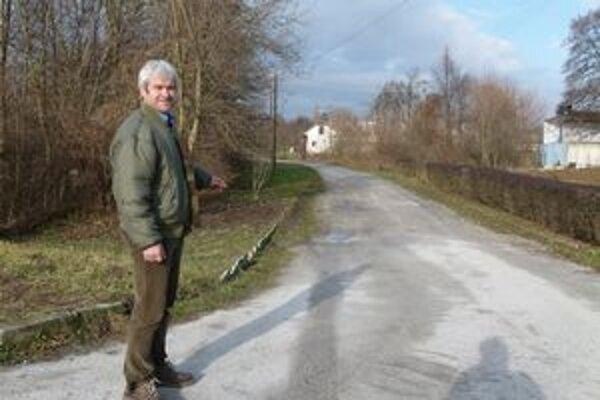 Cyklistov a psíčkarov chce starosta presunúť do časti obce zvanej Pasienky.