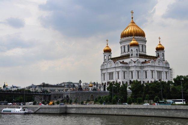 Chrám Krista Spasiteľa, kde mal kedysi stáť Palác Sovietov