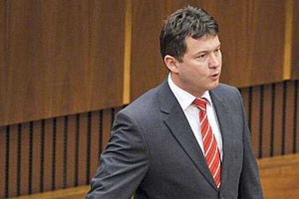 Milan Panáček chce zastávať všetky funkcie.
