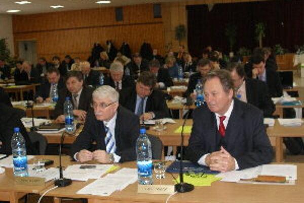 Podľa Karola Gerháta (vľavo) si Topoľčany zaslúžili mať zástupcu v rade NSK.