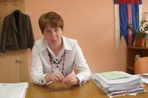 Starostka Iveta Poluchová hovorí, že ak pôjde všetko podľa plánu, kanalizáciu dokončia na budúci rok.