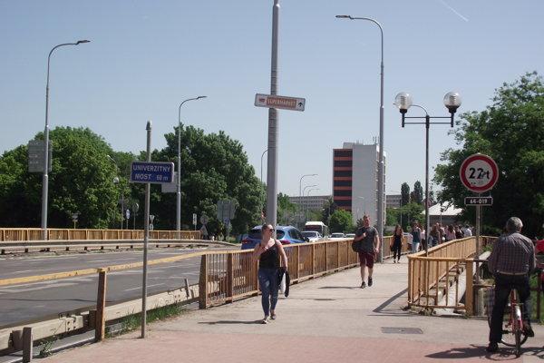 Univerzitný most.