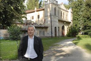 Košický podnikateľ Dušan Mach je nedotknuteľný aj po smrti svojho vplyvného suseda Pavla Pašku.