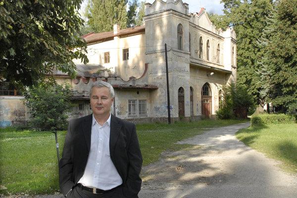 Košický podnikateľ Dušan Mach bol dlhé roky jedným z najvplyvnejších mužov v slovenskom zdravotníctve.