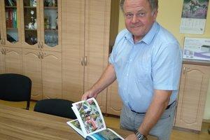 Na snímke starosta obce Švedlár Vladimír Končík.