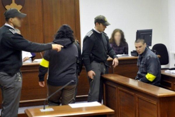 Obvinená dvojica. Miroslav D. sa priznal k dvom vraždám.