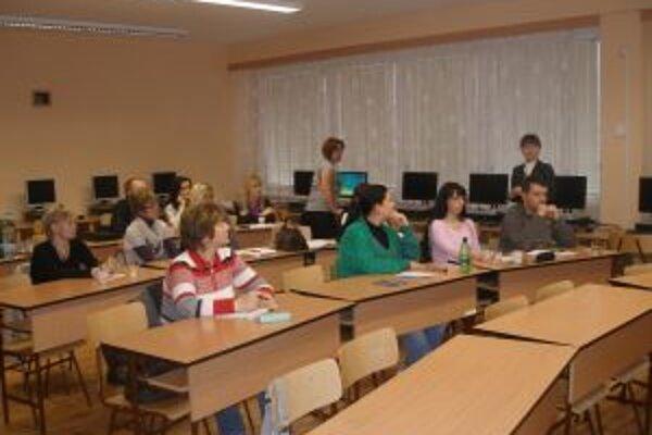 Semináru sa zúčastnilo 12 pedagógov z topoľčianskych škôl.