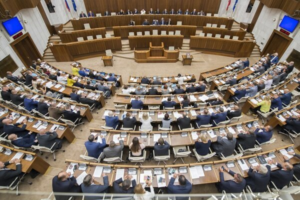 poslanci počas 34. schôdze parlamentu 11. septembra 2018 v Bratislave.