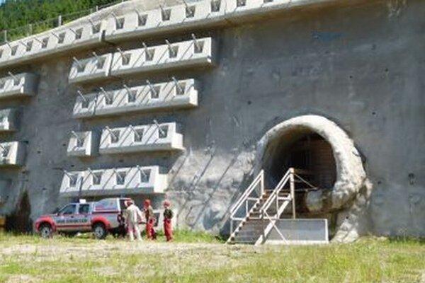 Rozruchu okolo tunela Višňové - Dubná Skala je už viac ako by bolo zdravé.